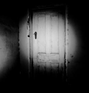 spooky-door